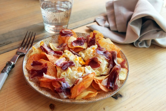 RECETA FACIL HUEVOS ROTOS CON JAMON PATATAS CHIPS BLOG